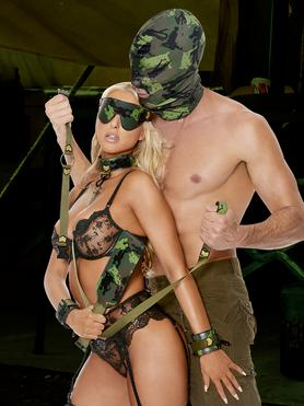 Ouch! Army Bondage Kit (9 Piece)