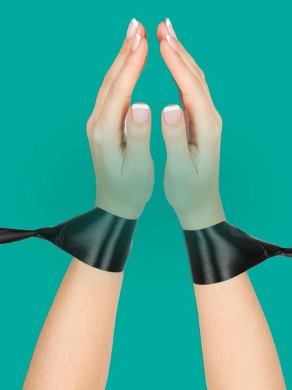 Discover-Handcuffs---Nav-Tile-1200x900---Silky-Bondage-2