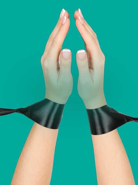 Discover-Handcuffs---Nav-Tile-1200x900---Silky-Bondage