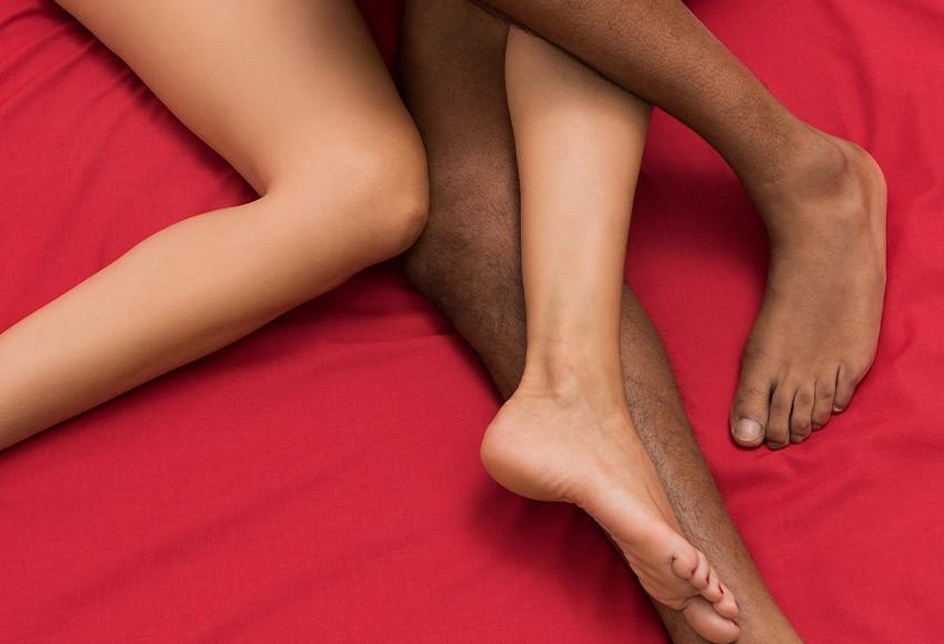 Feet-850x580